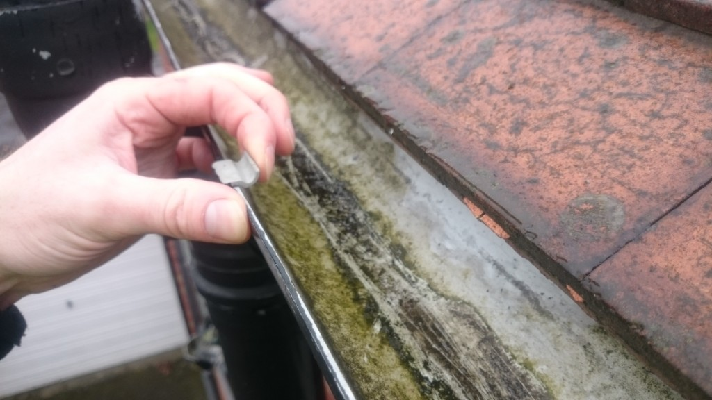 Detach the gutter from the union joint a nearest clip