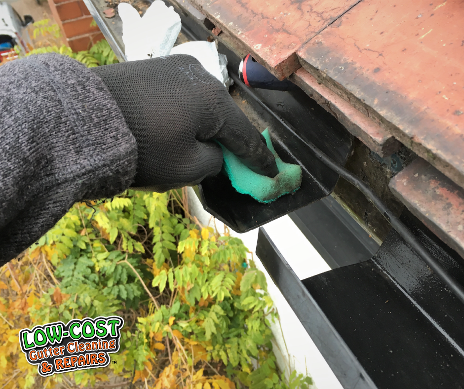 Clean Gutter 1 Low Cost Gutter Cleaning Amp Repairs